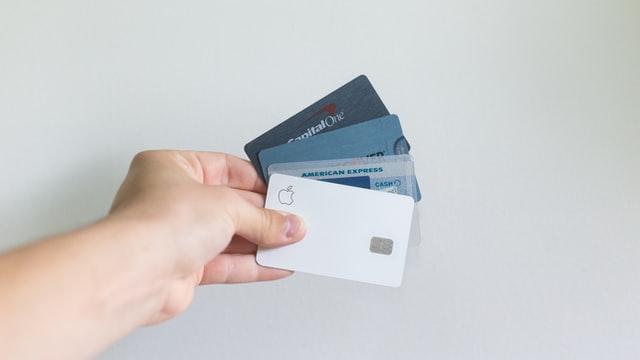 クレカはエポス(EPOS)カード1枚で十分!オススメする5つの理由を徹底解説